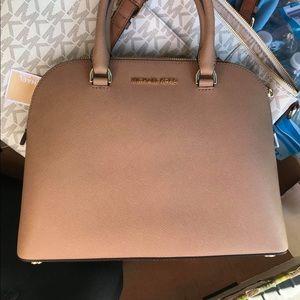 MK purse NWT light caramel color